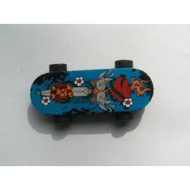 Radiera skateboard albastru