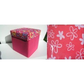 Scaun cutie jucarii cu capac roz si floricele