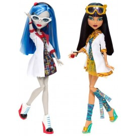 Monster High Ghoulia si Cleo de nile
