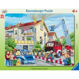 Puzzle pompieri in actiune 39 piese