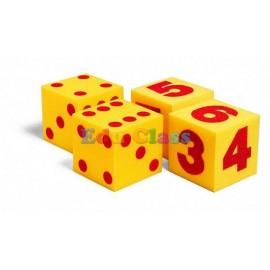 Cuburi mari cu puncte