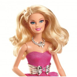 Papusa Barbie in rochie de bal