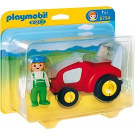 Fermierul si tractorul