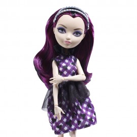 Papusa Ever After High - Raven Queen - Zi De Picnic