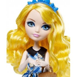 Papusa Ever After High - Blondie Lockes - Zi De Picnic