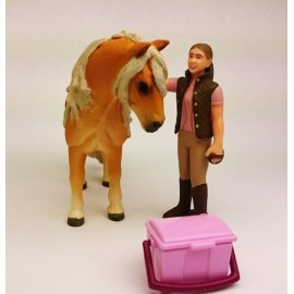 Groom with icelandic pony schleich41431