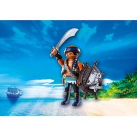 Figurina - pirat cu scut