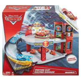Set de joaca Garaj - Piston Cup Racing Garage - Disney Cars 3